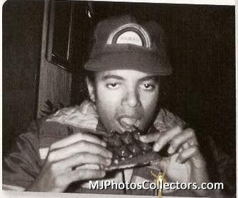 mj-eating-michael-jackson-16597758-335-279.jpg