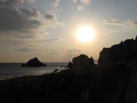 日出の石門