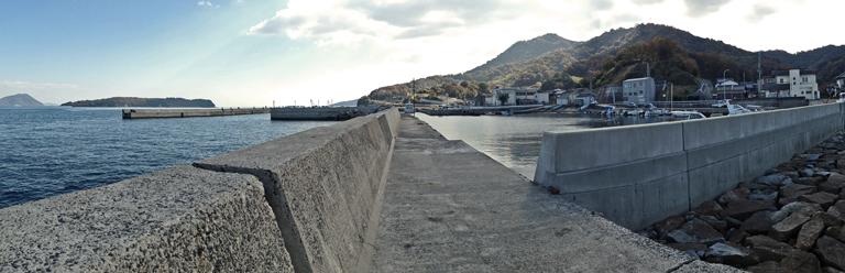 鎌野漁港全景