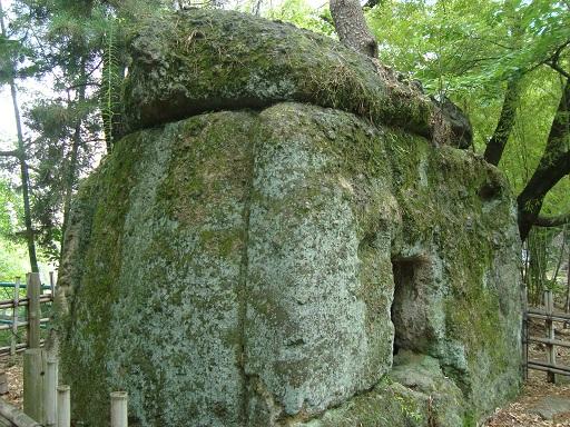 団原古墳石棺式石室側面