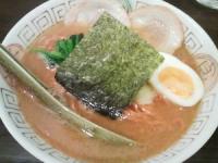 Naru-toなると醤油ラーメン+とんがらし麺