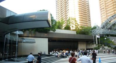02カラヤン広場