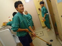 201001028 10月トイレ掃除017