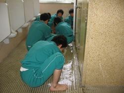 20100111811月トイレ掃除 006
