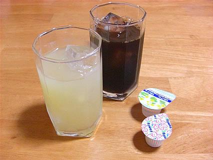 食事処 味喜や アイスコーヒー、りんごジュース