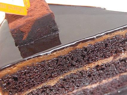白い森 チョコレートケーキ 断面