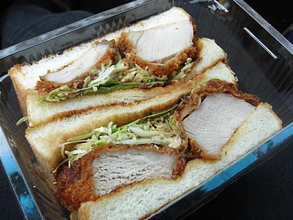 津軽の食と産業まつり フランス食堂 シェモア フィレポーク厚切りサンドウィッチ(550円)