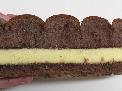 工藤パン チョコカステラサンド 断面
