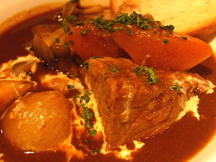 Kawara CAFE&DINING(カワラカフェ&ダイニング) 宇田川店 長時間煮込んだとろとろのビーフシチュー アップ