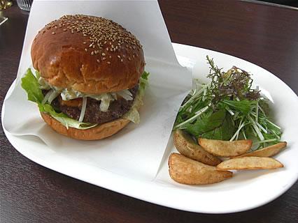 喫茶 ヨツバ ハンバーガー(ポテト付)(780円)