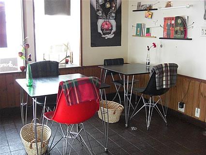 cafe drama 店内-1