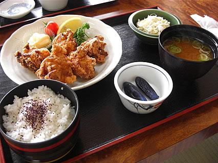 食事処 味喜や 若鶏から揚げ定食(5個)(690円)