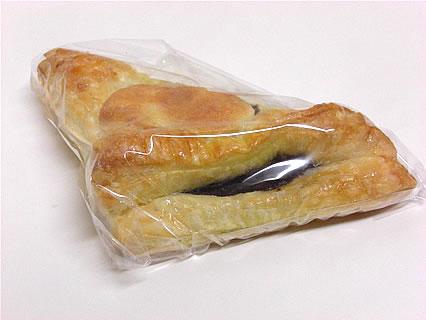 ブルーウッズベーカリー 生チョコパイ(157円)