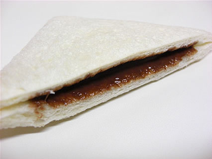 山崎製パン 黒いココアクリーム 断面
