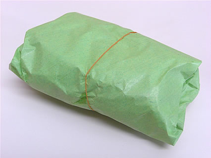 山田商店(弘前市中央食品市場内) 大学いも 包み紙