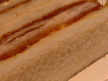 さぼてん チーズミルフィーユかつサンド 側面