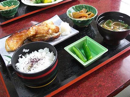 食事処 味喜や 銀だらかま焼定(980円)