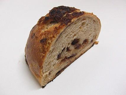 メゾンカイザー(MAISON KAYSER) 泉パークタウン タピオ店 パン ショコラ オレ 断面