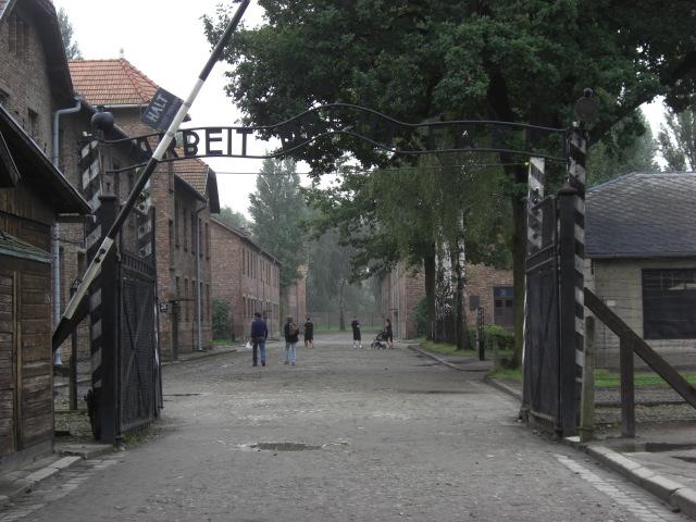 アウシュビッツ門