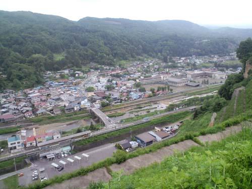 笹平急傾斜景色