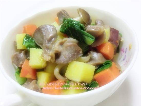 ゴロゴロ野菜と砂肝のガーリックソテー♪