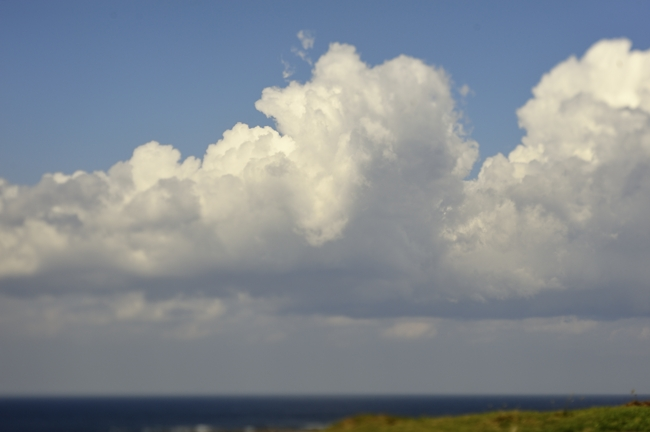 白い雲、雰囲気があります