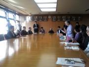 要請書を読み上げる「大間原発訴訟の会」の竹田代表