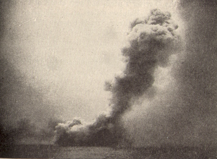 Destruction_of_HMS_Queen_Mary.jpg