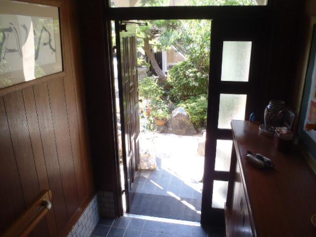 施工前・玄関扉