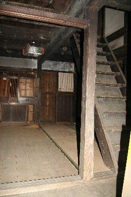 居間と階段