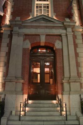 三菱美術館カフェ1894出入り口
