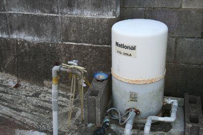 井戸とポンプ