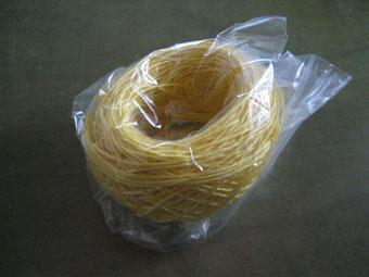 黄色い麻糸