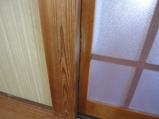 ドアのキズ2