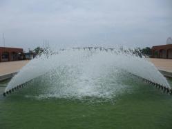 入り口の噴水