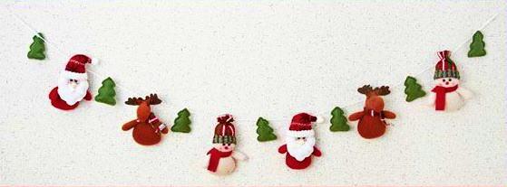 christmasmascot_garland2.jpg
