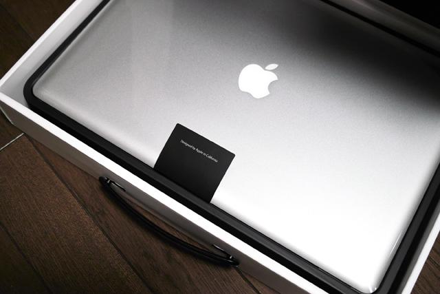 110405_002_MacBook Pro 17