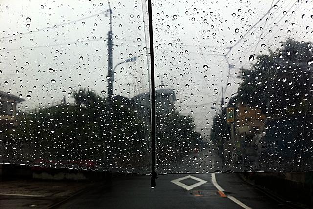 110528_001_雨