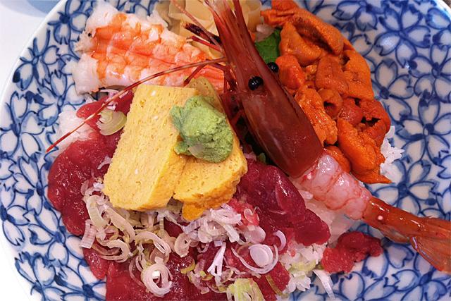110601_001_海鮮丼