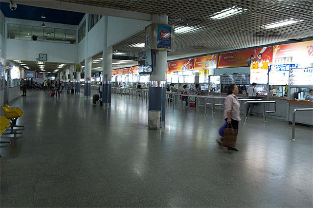 110725_001_バンコク北バスターミナル