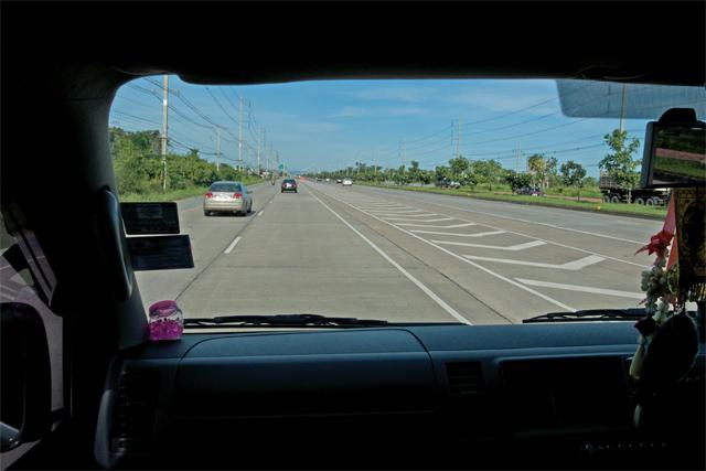 110727_022_タイの国道