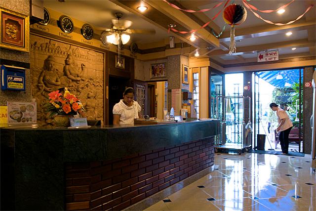 110729_001_Siri Hotel