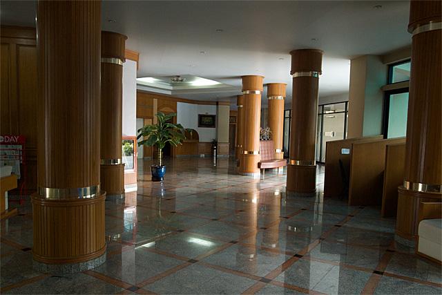 110802_001_Surin Majestic Hotel
