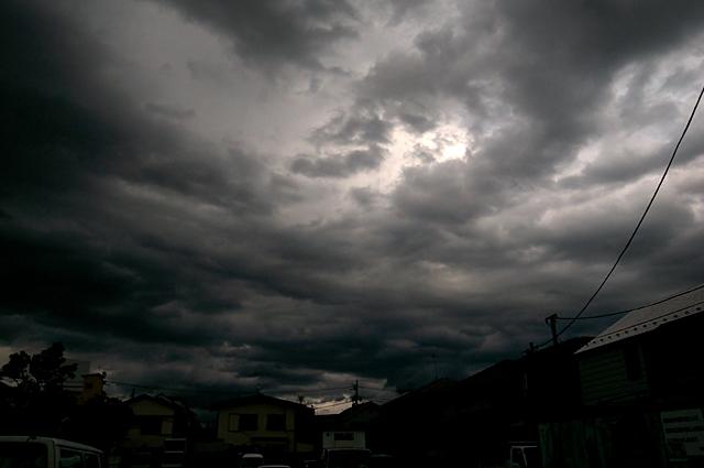 120610_003_怪しい雲行き