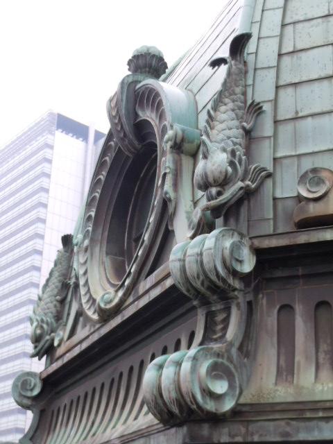 横浜正金銀行 丸窓