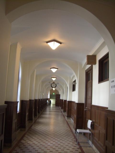 上智大学1号館 1階廊下