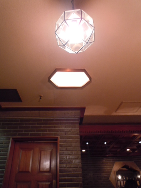 オールドインペリアルバー 天井