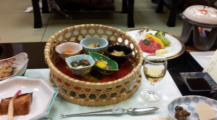 秋保温泉夜の宴会食事