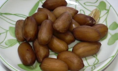 ゆでピーナッツ しょうゆ味 中身
