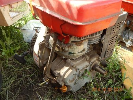 コンバインエンジン載せ替え (2)